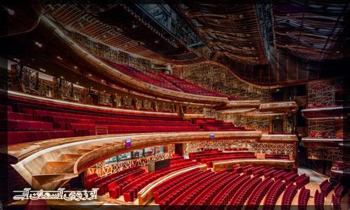 سالن اپراي دبي _ آسمان آبي