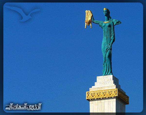 مجسمه-یادبود-مدئا-باتومی